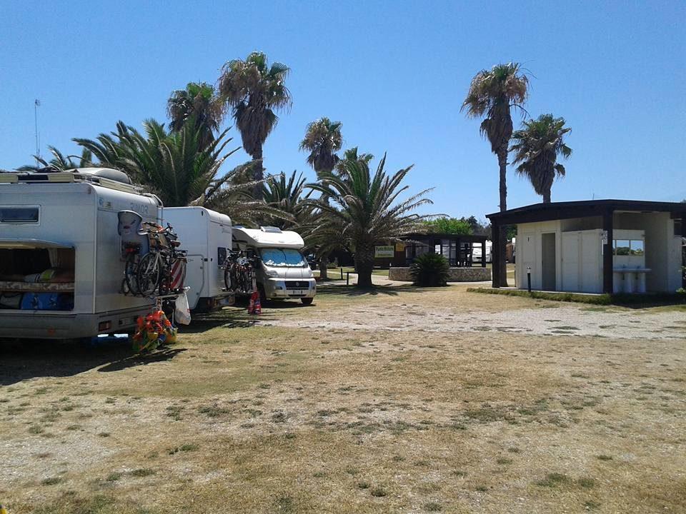 area-camper-salento-i-faraglioni.jpg