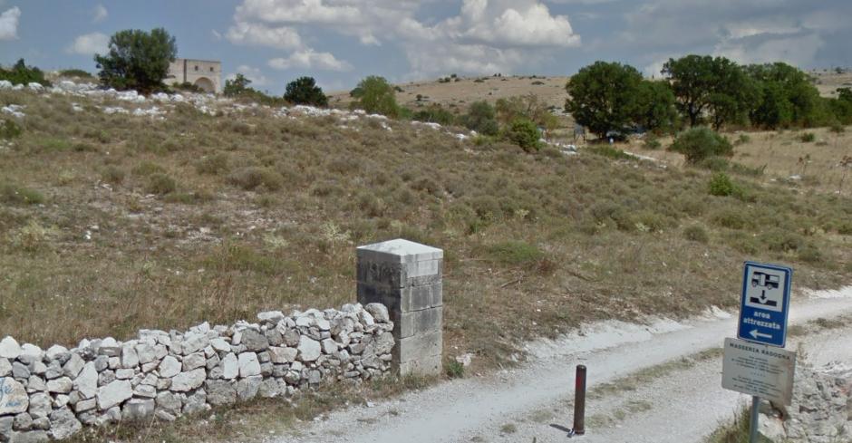 area-sosta-camper-masseria-radogna.png