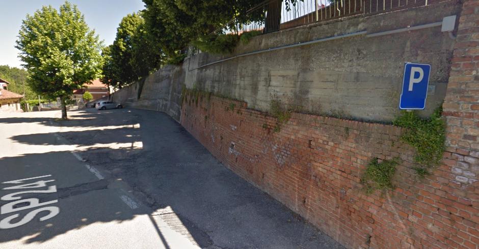 parcheggio-misto-Monticello d'Alba - Villa.png