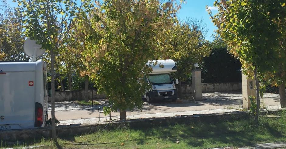 area-sosta-camper-masseria-del-pantaleone-matera.png