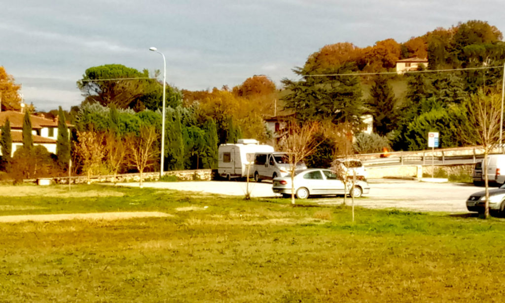 Toscana tra terme e borghi in caravan o camper - Area di sosta Asciano.jpg