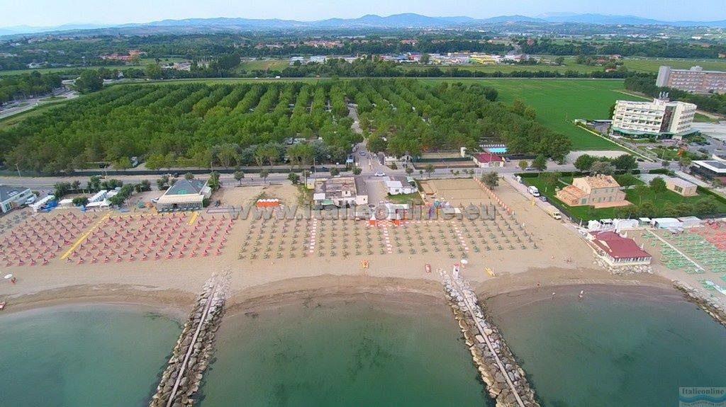 Camping-Campeggio-Village-Misano-Adriatico-Riccione-vista-aerea-Romagna-idromassaggio-Riviera-romagnola.jpg